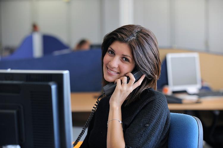 Sandra Bahmed.Assistante Commerciale.Direction Régionale des Ventes Sud (Regional Sales Direction - South).T : +33 (0) 442 819 957.sandra.bahmed.tnt.fr.TNT Express France - Le 08/09/2010.