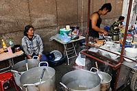 LAO P.D.R., Vientiane , street kitchen / LAOS, Vientiane, Starßenküche