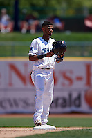 Lake County Captains shortstop Willi Castro (6) during a game against the South Bend Cubs on July 27, 2016 at Classic Park in Eastlake, Ohio.  Lake County defeated South Bend 5-4.  (Mike Janes/Four Seam Images)