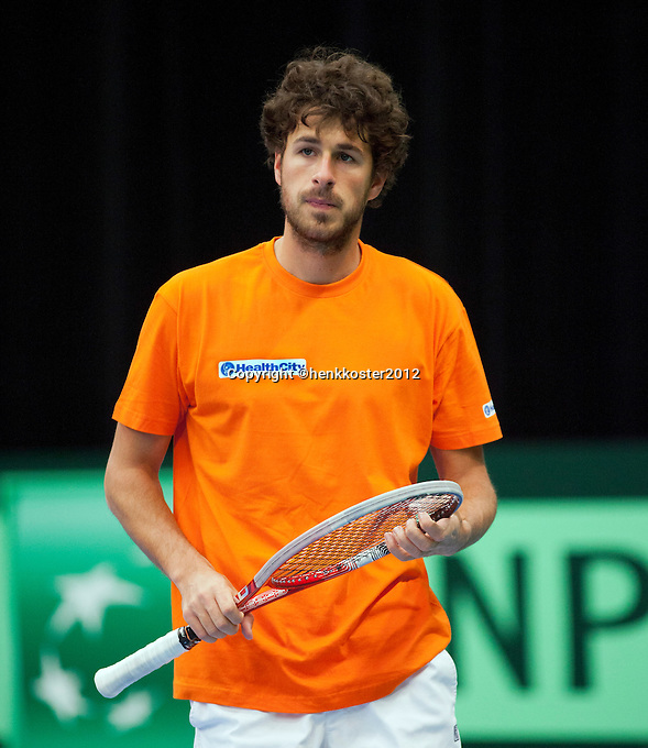 07-02-12, Netherlands,Tennis, Den Bosch, Daviscup Netherlands-Finland, Training, Robin Haase