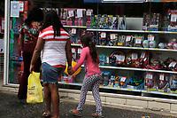 Campinas (SP), 09/10/2020 - Comércio Dia das Crianças - Movimentação na rua 13 de maio, no centro da cidade de Campinas, interior de São Paulo, nesta sexta-feira (09) devido a proximidade do dia das criancas.