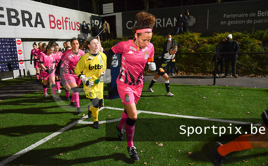 Charleroi playes with Ines Dhaou (5 Charleroi) pictured running on to the pitch ahead of a female soccer game between Sporting Charleroi and Eendracht Aalst on the 8th  matchday of the 2020 - 2021 season of Belgian Scooore Womens Super League , friday 20 th of November 2020  in Marcinelle , Belgium . PHOTO SPORTPIX.BE | SPP | DAVID CATRY