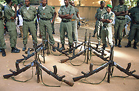 Mali. Province of Segou. Niono. October 16 2003. Worlwide food day.  The soldiers wait for the arrival of the malian president Amadou Toumani Toure (ATT).  © 2003 Didier Ruef