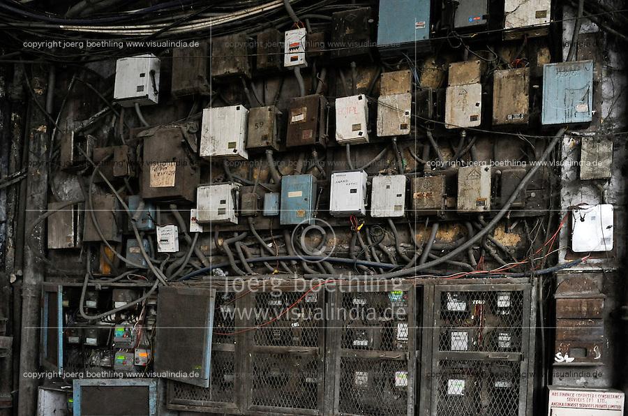 INDIA Kolkata, electric meter in old appartment building / INDIEN Kalkutta, Stromzaehler in einem Wohnhaus