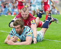 Geoff Parling of Leicester Tigers scores a try as Ed Williamson of London Welsh attempts to stop him during the Aviva Premiership match between London Welsh and Leicester Tigers at the Kassam Stadium on Sunday 2nd September 2012 (Photo by Rob Munro)