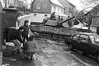 - NATO exercises in Germany, US Army M 1 tank in a village (January 1986)....- esercitazioni NATO in Germania, carro armato M 1 dell'U.S.Army in un villaggio (gennaio 1985)
