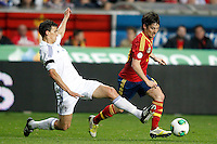 Spain's David Jimenez Silva (r) and Finland's Moisander during international match of the qualifiers for the FIFA World Cup Brazil 2014.March 22,2013.(ALTERPHOTOS/Acero)
