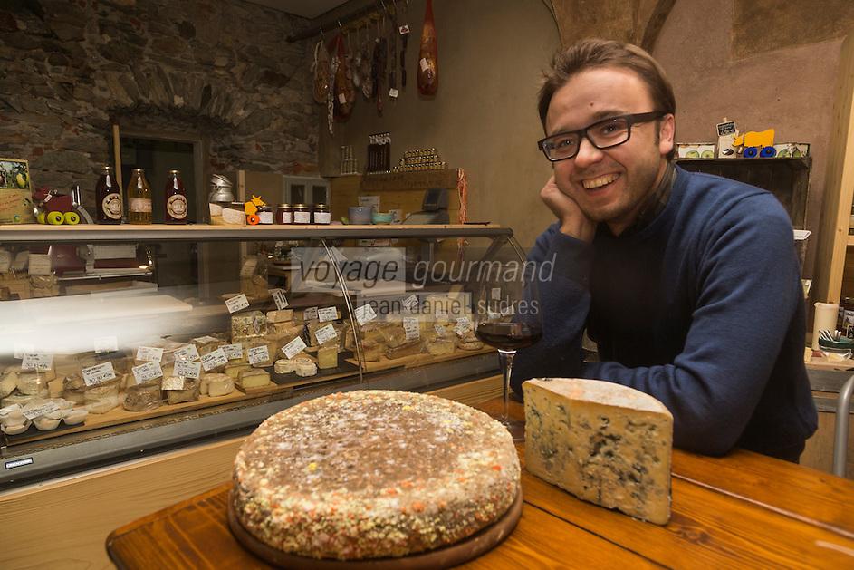 Italie, Val d'Aoste, Aoste: Stefano Lunardi, fromagerie: ErbaVoglio  // Italy, Aosta Valley, Aosta: Stefano Lunardi, cheesemonger:  ErbaVoglio