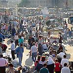 Turkey, Istanbul: Evening market near Galata Bridge | Tuerkei, Istanbul: Evening market nahe der Galatabruecke