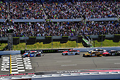 Monster Energy NASCAR Cup Series<br /> AXALTA presents the Pocono 400<br /> Pocono Raceway, Long Pond, PA USA<br /> Sunday 11 June 2017<br /> A general view of the start with Kyle Busch, Joe Gibbs Racing, M&M's Red, White & Blue Toyota Camry leading.<br /> World Copyright: Rusty Jarrett<br /> LAT Images<br /> ref: Digital Image 17POC1rj_3572