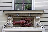 Europe/Voïvodie de Petite-Pologne/Cracovie: Maison à l'écrevisse -XV ème, détail linteau de porte, rue Szpitalna<br />  Vieille ville (Stare Miasto) classée Patrimoine Mondial de l'UNESCO,