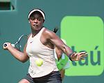 Sloane Stephens (USA) defeats Victoria Azarenka (BLR) by 3-6, 6-2, 6-1