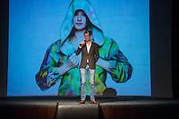 """Sozialarbeit trifft Streetwear<br /> Die Berliner Jugendhilfe-Organisation """"Neue Chance"""" und das Amsterdamer Streetwear-Label """"Rambler"""" veranstalteten am Dienstag den 20. Januar im Astra Kulturhaus eine gemeinsame Fashion Show. Praesentiert wurden Streetwear-Designs, die kreative junge Klientinnen und Klienten der """"Neuen Chance"""" gemeinsam mit professionellen Designern von Rambler entwickelt haben. Bis zu 500 Gaeste aus Jugendhilfe, Verwaltung, Sozialpolitik und Modebranche aus Berlin und Amsterdam sahen eine Modenschau, die nicht auf Profit aus war.<br /> Im Bild: Rambler-Gruender Tim Deck aus den Niederlanden.<br /> 20.1.2015, Berlin<br /> Copyright: Christian-Ditsch.de<br /> [Inhaltsveraendernde Manipulation des Fotos nur nach ausdruecklicher Genehmigung des Fotografen. Vereinbarungen ueber Abtretung von Persoenlichkeitsrechten/Model Release der abgebildeten Person/Personen liegen nicht vor. NO MODEL RELEASE! Nur fuer Redaktionelle Zwecke. Don't publish without copyright Christian-Ditsch.de, Veroeffentlichung nur mit Fotografennennung, sowie gegen Honorar, MwSt. und Beleg. Konto: I N G - D i B a, IBAN DE58500105175400192269, BIC INGDDEFFXXX, Kontakt: post@christian-ditsch.de<br /> Bei der Bearbeitung der Dateiinformationen darf die Urheberkennzeichnung in den EXIF- und  IPTC-Daten nicht entfernt werden, diese sind in digitalen Medien nach §95c UrhG rechtlich geschuetzt. Der Urhebervermerk wird gemaess §13 UrhG verlangt.]"""