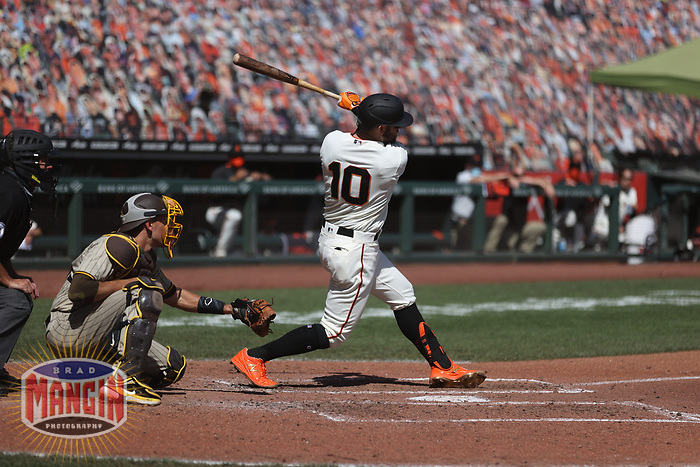 SAN FRANCISCO, CA - SEPTEMBER 27:  Evan Longoria #10 of the San Francisco Giants bats against the San Diego Padres during the game at Oracle Park on Sunday, September 27, 2020 in San Francisco, California. (Photo by Brad Mangin)