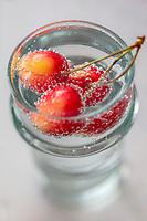 Gastronomie générale / Diététique /  Cerises bicolores bio //  General gastronomy / Diet / Bi-colored organic cherries