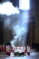 Procession celebrates mass in Saint Peter's Basilica..Vatican 27/08/2009.. December. 25, 2007.. .