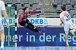 Nikolas Katsigiannis (Rhein Neckar Löwen Nr.55)im Tor gegen Lukas Binder (DHfK Leipzig Nr.11) - beim Bundesligaspiel: Rhein Neckar Loewen gegen SC DHfK Handball Leipzig am 15.10.2020 in der SAP-Arena in Mannheim<br /> <br /> Foto © PIX-Sportfotos *** Foto ist honorarpflichtig! *** Auf Anfrage in hoeherer Qualitaet/Aufloesung. Belegexemplar erbeten. Veroeffentlichung ausschliesslich fuer journalistisch-publizistische Zwecke. For editorial use only.