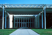 Renzo Piano: The Menil Collection, Houston. Entrance on Sull Ross St.