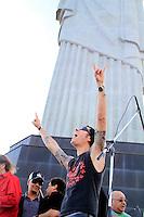 RIO DE JANEIRO, RJ 16 OUTUBRO 2012 - COLETIVA DE IMPRENSA ROCK IN RIO 2012 - O vocalista do Capital Inicial Dinho Ouro Preto durante coletiva de imprensa do Rock In Rio 2013 no Cristo Rendentor no Rio de Janeiro, nesta terca-feira, 16. A edição 2013 do Rock In Rio será realizada entre os dias 13 e 22 de setembro, assim como em 2011, no Parque dos Atletas, na Barra da Tijuca. A expectativa é que 595 mil pessoas estejam presentes no próximo festival durante todos os dias de festa. Em 2013, o evento terá capacidade máxima de 85 mil pessoas por dia. (FOTO: ISABELA CATAO  / BRAZIL PHOTO PRESS).