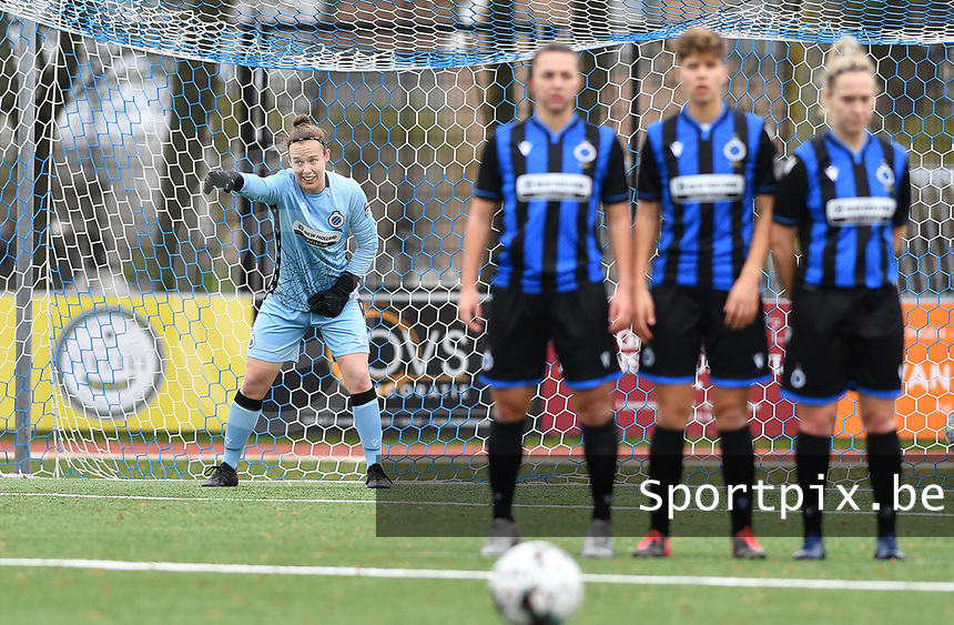 goalkeeper Elke Geeraert (25 Brugge) pictured during a female soccer game between Club Brugge Dames YLA and Oud Heverlee Leuven on the 8 th matchday of the 2020 - 2021 season of Belgian Scooore Womens Super League , saturday 21 th November 2020  in Knokke , Belgium . PHOTO SPORTPIX.BE | SPP | DAVID CATRY