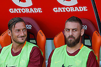 Calcio, Serie A: Roma vs Udinese. Roma, stadio Olimpico, 20 agosto 2016.<br /> Roma's Francesco Totti, left, and Daniele De Rossi sit on the bench during the Italian Serie A football match between Roma and Udinese at Rome's Olympic stadium, 20 August 2016. Roma won 4-0.<br /> UPDATE IMAGES PRESS/Riccardo De Luca