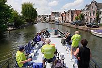 Nederland Stichtse Vecht- 2020. De Fietsboot voor fietsers en wandelaars op de Vecht. Vrijwilligers varen toeristen van plaats naar plaats.  Foto Berlinda van Dam / Hollandse Hoogte