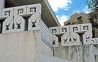 Rudolph Schindler: Bubeshko Apts., concrete block. (Indebted to F.L. Wright)