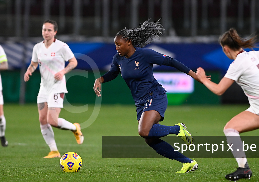 French Kadidiatou Diani (11) pictured in action during the Womens International Friendly game between France and Switzerland at Stade Saint-Symphorien in Longeville-lès-Metz, France.