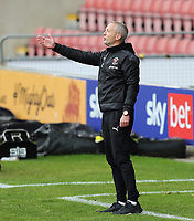 Blackpool manager Neil Critchley gestures from his technical area<br /> <br /> Photographer Rich Linley/CameraSport<br /> <br /> The EFL Sky Bet League One - Crewe Alexandra v Blackpool - Saturday 17th October 2020 - Gresty Road - Crewe<br /> <br /> World Copyright © 2020 CameraSport. All rights reserved. 43 Linden Ave. Countesthorpe. Leicester. England. LE8 5PG - Tel: +44 (0) 116 277 4147 - admin@camerasport.com - www.camerasport.com