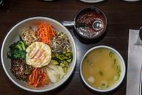 Bibimbab-Reis-Gemüse-Gericht, koeranisches Restaurant Han Mi, Rentzelstr. 36 , Hamburg, Deutschland<br /> Bibimbab-rice and vegetable dish, Korean  Restaurant Han Mi, Rentzelstr. 36 , Hamburg, Germany