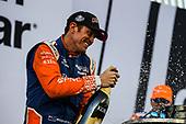 Champion Scott Dixon celebrating, Chip Ganassi Racing Honda