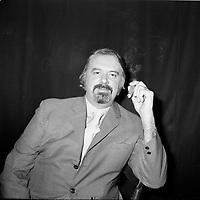 Jean Morin<br /> <br /> (date inconnue, avant 1984)<br /> <br /> <br /> Jocelyne Mercier, dite Michèle Mercier, née le 1er janvier 1939 à Nice, est actrice, chanteuse, danseuse et écrivain. Son nom est attaché à la série cinématographique des Angélique. Élevée au rang de sex-symbol dans les années 1960, la comédienne s'est efforcée par la suite de se libérer de ce personnage mythique qui marqua fortement sa carrière. <br /> <br /> Photo : Agence Quebec Presse - Roland Lachance