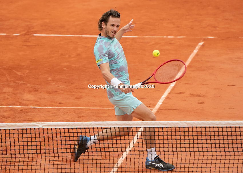 Paris, France, 06 /10/ 2020, Tennis, French Open, Roland Garros, Doubles quarter final : Wesley Koolhof (NED)  <br /> Photo: Susan Mullane/tennisimages.com