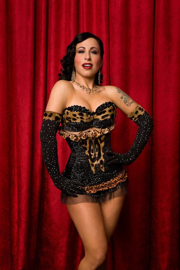 Burlesque Dancer Angie Pontani