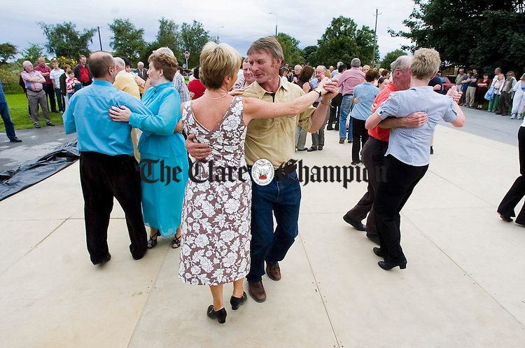 Stepping it out at the Ceile during the Crossroads weekend at Clarecastle. Photograph by John Kelly.