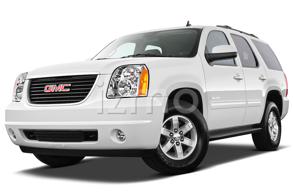 Low aggressive front three quarter view of a 2012 GMC Yukon SLE .