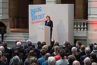 """Ausstellung """"Dialog mit der Zeit"""" im Museum fuer Kommunikation in Berlin-Mitte.<br /> Vom 1. April bis 23. August 2015 werden in der Ausstellung die Facetten des Alters und der Alterns erlebbar gemacht.<br /> Bundespraesident Joachim Gauck eroeffnete die Ausstellung am 31. Maerz 2015 mit einem Rundgang und einer Rede zu neuen Altersbildern in einer Gesellschaft des laengeren Lebens.<br /> Im Bild: Dr. Liselotte Kugler, Museumsdirektorin.<br /> 31.3.2015, Berlin<br /> Copyright: Christian-Ditsch.de<br /> [Inhaltsveraendernde Manipulation des Fotos nur nach ausdruecklicher Genehmigung des Fotografen. Vereinbarungen ueber Abtretung von Persoenlichkeitsrechten/Model Release der abgebildeten Person/Personen liegen nicht vor. NO MODEL RELEASE! Nur fuer Redaktionelle Zwecke. Don't publish without copyright Christian-Ditsch.de, Veroeffentlichung nur mit Fotografennennung, sowie gegen Honorar, MwSt. und Beleg. Konto: I N G - D i B a, IBAN DE58500105175400192269, BIC INGDDEFFXXX, Kontakt: post@christian-ditsch.de<br /> Bei der Bearbeitung der Dateiinformationen darf die Urheberkennzeichnung in den EXIF- und  IPTC-Daten nicht entfernt werden, diese sind in digitalen Medien nach §95c UrhG rechtlich geschuetzt. Der Urhebervermerk wird gemaess §13 UrhG verlangt.]"""