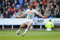 Nick Evans of Harlequins takes a conversion attempt during the Aviva Premiership match between London Irish and Harlequins at the Madejski Stadium on Sunday 1st May 2016 (Photo: Rob Munro/Stewart Communications)