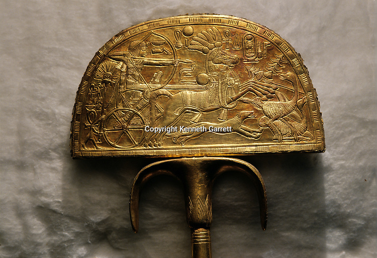 Fan depicting ostrich hunt, KV 62, Tutankhamun and the Golden Age of the Pharaohs, Page 197 top