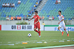 China PR vs Vietnam during the 2014 AFC U19 Mens Championship group C match on October 13, 2015 at the Thuwunna Stadium in Yangon, Myanmar. Photo by World Sport Group