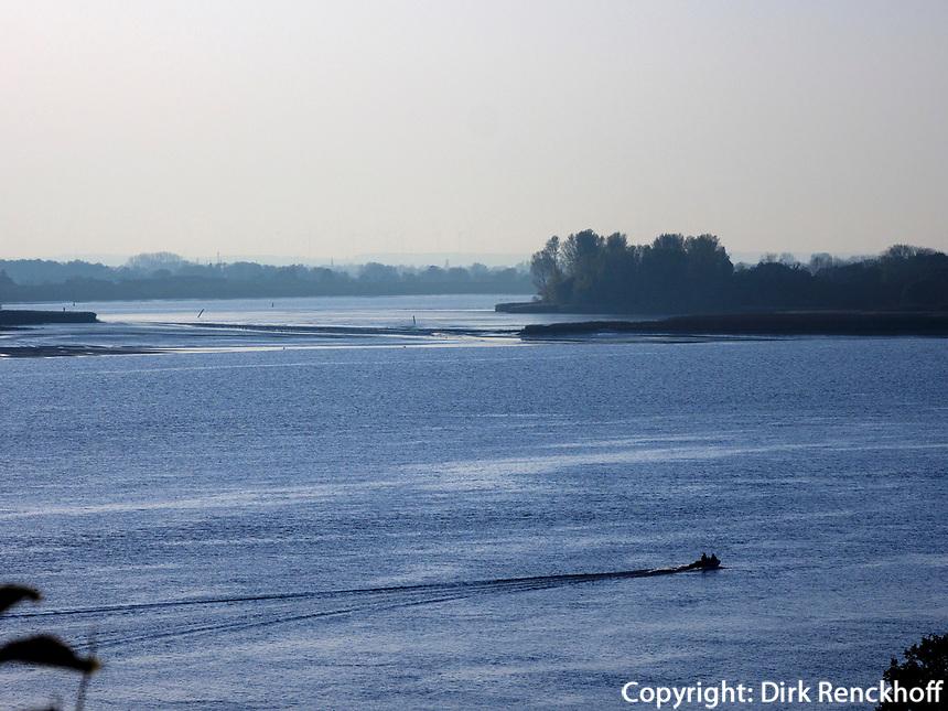 Insel Neßsand, Elbe in Hamburg-Blankenese, Deutschland, Europa<br /> isle Neßsand, river Elbe in Hamburg Blankenese, Germany, Europe