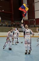 CALI - COLOMBIA - 30-07-2013: El equipo de Estados Unidos celebra el titulo después de vencer a Italia en la Final del Hockey en Linea en los IX Juegos Mundiales Cali, julio 30 de 2013. (Foto: VizzorImage / Luis Ramirez / Staff). The United States team celebrate after beating to Italy in the final of the Hockey in Line in the IX World Games Cali, July 30, 2013. (Photo: VizzorImage / Luis Ramirez / Staff).