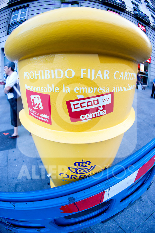 """Expression of the Spanish trade unions against cuts and closures of public services.A mailbox of the National Post Company """"Correos"""" with stickers of the unions and political parties under the caption """"No fix Signs""""..(Alterphotos/Ricky)"""