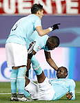 PSV Eindhoven's Jetro Willems (r) injured in presence of Hector Moreno (l) and Nicolas Isimat-Mirin during UEFA Champions League match. March 15,2016. (ALTERPHOTOS/Acero)
