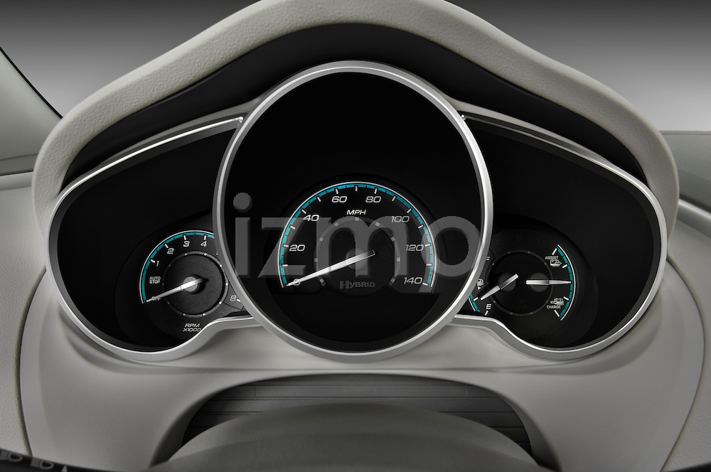 Instrument panel close up detail view of a 2009 Chevrolet Malibu Hybrid