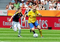 Fifa Women's World Cup Germany 2011 : Colombia - Sweden at Bayarena Leverkusen : Lisa Dahlkvist in duel met Daniela Montoya (links)..foto DAVID CATRY / Vrouwenteam.be