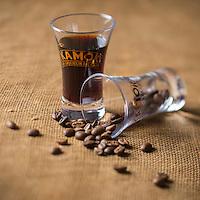 Europe, France, Pays de la Loire, 85, Vendée, Luçon: Liqueur de café Kamok //  Europe, France, Pays de la Loire, Vendee, Luçon: Coffee Liqueur Kamok<br /> - Stylisme : Valérie LHOMME