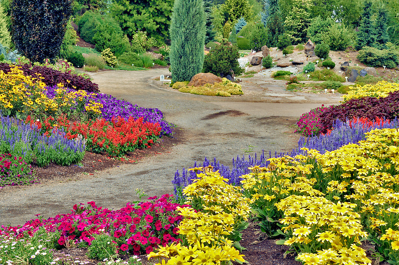 Path and flowers through Oregon Gardens.