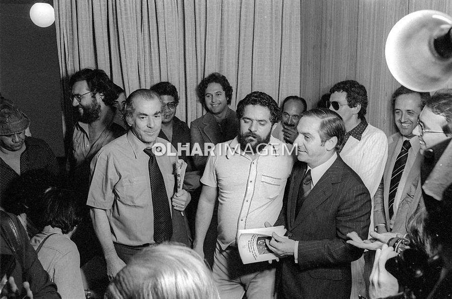 Discussão Novos Partidos. Encontro de Lula, Brizola e Tito Costa no Sindicato de Matalurgicos do ABC. São Paulo, 23.10.1979. Foto Juca Martins