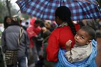 BOGOTÁ - COLOMBIA, 16-03-2016: Miles de personas salieron a las calles de la ciudad de Bogotá hoy, 17 de marzo de 2016, en el marco del paro nacional convocado por los sindicatos para protestar por las políticas económicas y sociales del presidente Santos. / Thousand of people go out to streets of Bogota city today, March 17 2016, user the national strike called  by unions to protest against economic and social policies of the president Santos. Photo: VizzorImage / Ivan Valencia / CONT